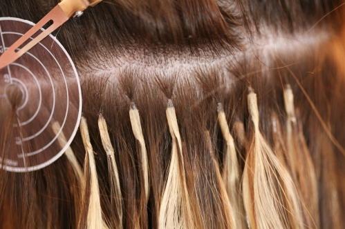 Капсулы на волосах